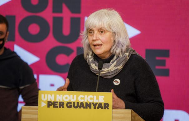 La candidata de la CUP a las elecciones, Dolors Sabater, en rueda de prensa.