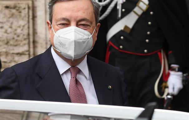 """Draghi asegura que su prioridad será la pandemia y ve al euro """"irreversible"""""""