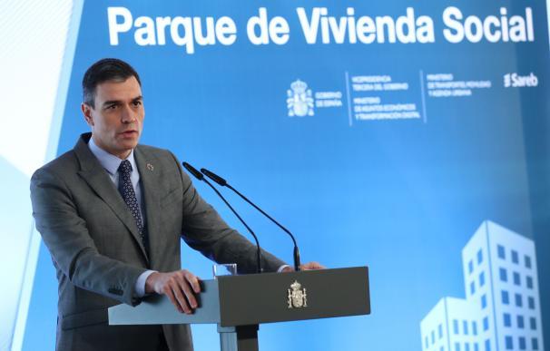 El presidente del Gobierno, Pedro Sánchez, durante una intervención en Moncloa presentando el Plan Social de Vivienda