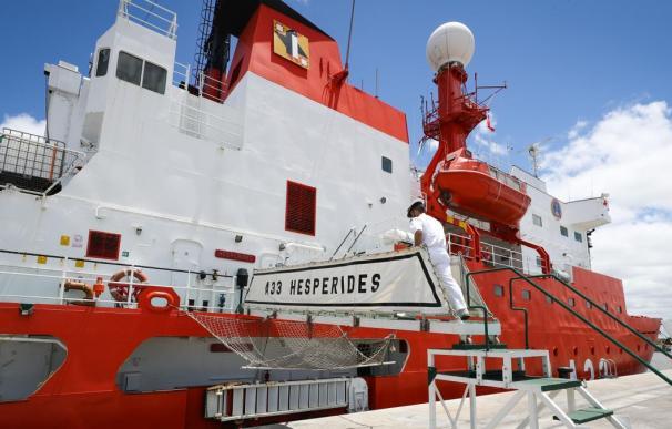 El buque oceanográfico Hespérides tuvo que cancelar su participación en la campaña Antártica por un brote de coronavirus que afectó hasta el 60 por ciento de su dotación,