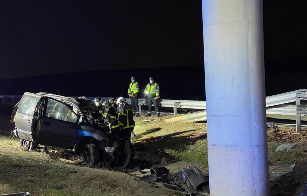 Accidente coche pilar R2