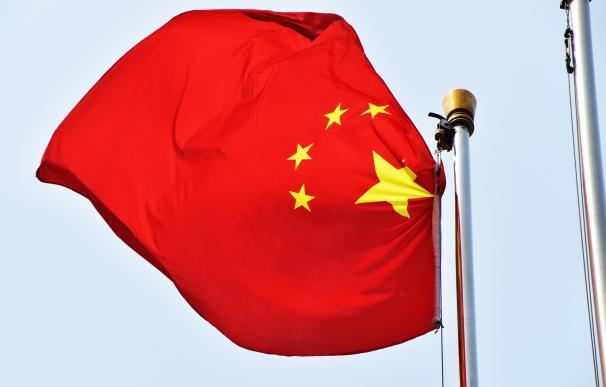China se fija como objetivo crecer más del 6% este ejercicio y rebaja el déficit