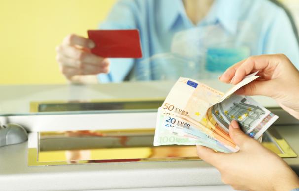 No justificar un ingreso o retirada de efectivo de una cuantía elevada puede implicar multas de Hacienda.