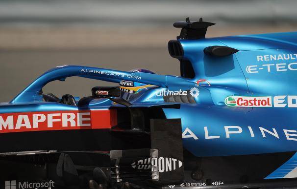 Fernando Alonso, del equipo Alpine, participa en el periodo de pruebas en el circuito internacional de Baréin