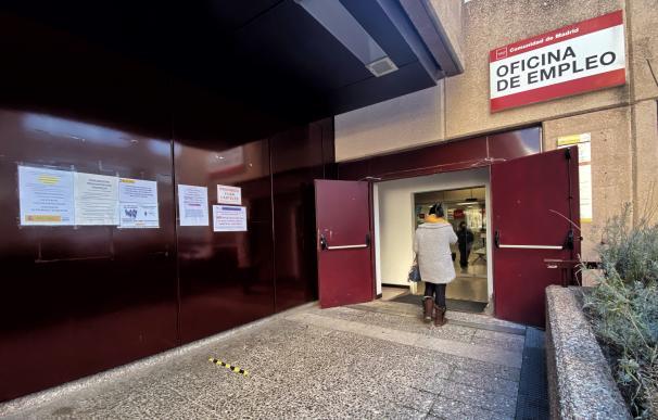 Una oficina de empleo en Madrid (España), a 5 de enero de 2021. El año 2020, marcado por la crisis del Covid durante nueve de sus doce meses, rompió con siete años consecutivos de descensos del paro registrado al sumar en el conjunto del ejercicio 724.532 desempleados (+22,9%), su mayor repunte anual desde 2009, en plena crisis financiera. 5 ENERO 2021;COVID-19;PARO;DESEMPLEO;ECONOMÍA;INEM;CRISIS;INGRESOS; Eduardo Parra / Europa Press (Foto de ARCHIVO) 5/1/2021