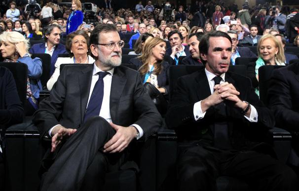 De izquierda a derecha, Cospedal, Rajoy, Aznar y Arenas.