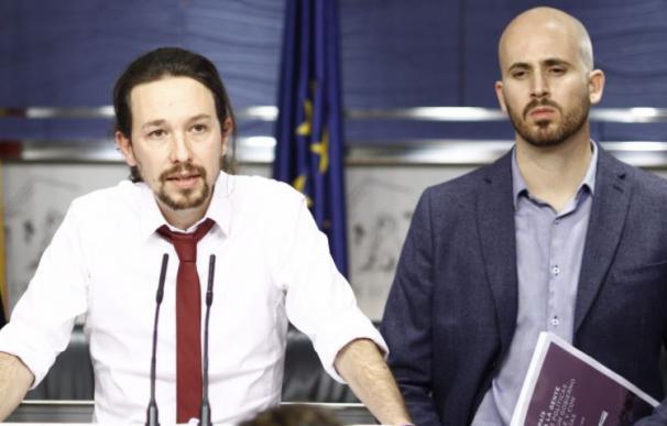 Pablo Iglesias y el secretario de Estado de Derechos Sociales, Nacho Álvarez