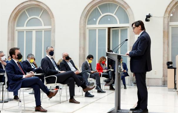 El líder del PSC, Salvador Illa, en su discurso durante el debate de investidura frente al candidato, Pere Aragonès