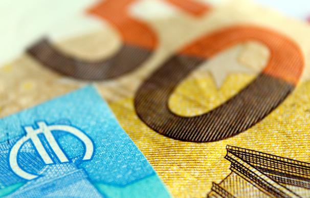 La nueva comision que podria afectarte si tienes ahorros en el banco