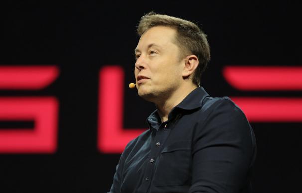 Elon Musk busca a 10.000 trabajadores para la fábrica de Tesla en Austin.
