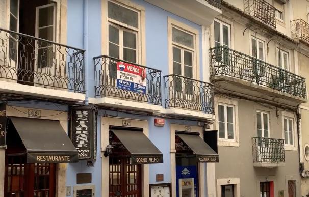 """En zonas como Lisboa, Oporto o el Algarve, """"el precio del alquiler es superior a los salarios"""" en muchos casos."""