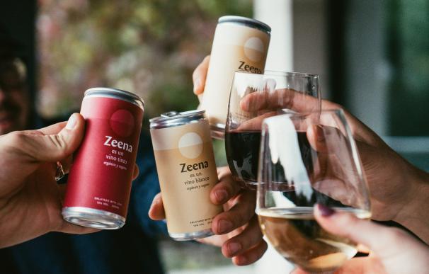 Zeena vino en lata