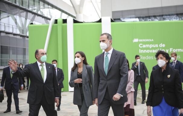 Los Reyes de España y el presidente de Iberdrola, Ignacio Galán, inauguran del Campus de la energética
