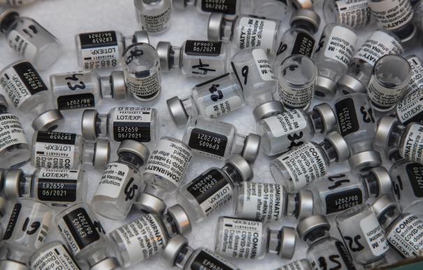 Vacuna Pfizer dosis coronavirus vacunación viales