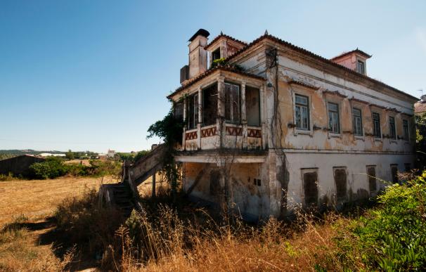 Casa abandonada considerada un bien mostrenco.