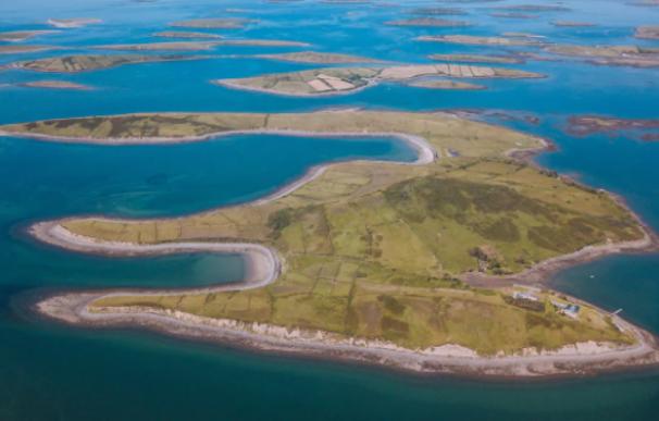 La isla Collanmore Island Lodge listing, que se puede alquilar en Airbnb.