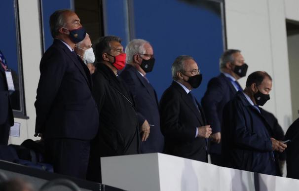 Joan Laporta y Florentino Pérez, durante el último Real Madrid - Barça en Valdebebas