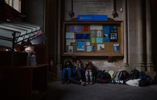 Estudiantes ocupan la Universitat de Barcelona