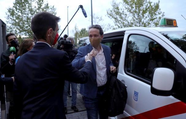 El candidato a la presidencia de la Comunidad de Madrid por Unidas Podemos, Pablo Iglesias llegó en taxi