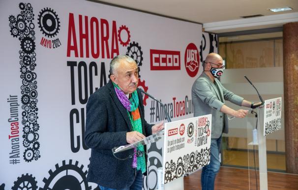 Los secretarios generales de CCOO y UGT, Unai Sordo y Pepe Álvarez, ofrecen una rueda de prensa con motivo de la celebración del Primero de Mayo.