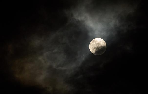 Superluna de abril desde Brasil