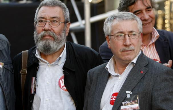 Los secretarios generales de UGT, Cándido Méndez, y de CC OO, Ignacio Fernández Toxo durante una manifestación en Madrid.
