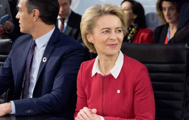La presidenta de la Comisión, Úrsula von der Leyen, y el presidente del Gobierno, Pedro Sánchez