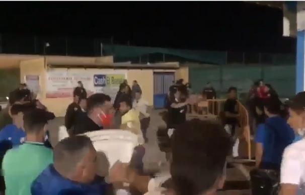 Captura de uno de los vídeos con imágenes de la pelea.