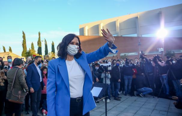 La presidenta de la Comunidad de Madrid y candidata a la reelección, Isabel Díaz Ayuso, durante un acto del partido en Pinto, Madrid.