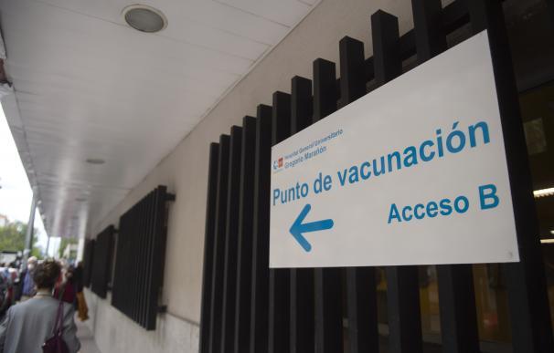 Señalización para recibir la vacuna contra el Covid-19 en el Hospital Gregorio Marañón, Madrid.