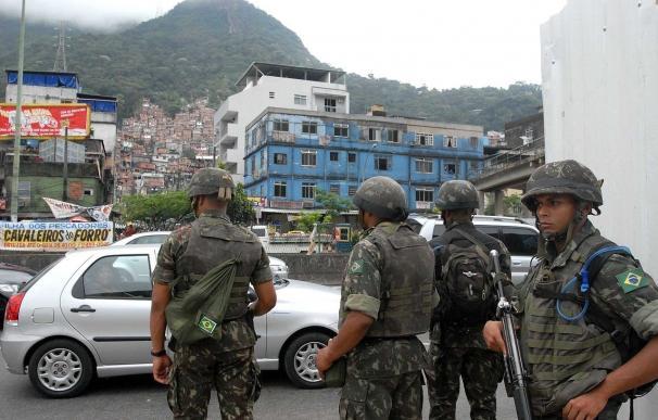 Oficiales de la Unidad de Policía Pacificadora (UPP) de Brasil
