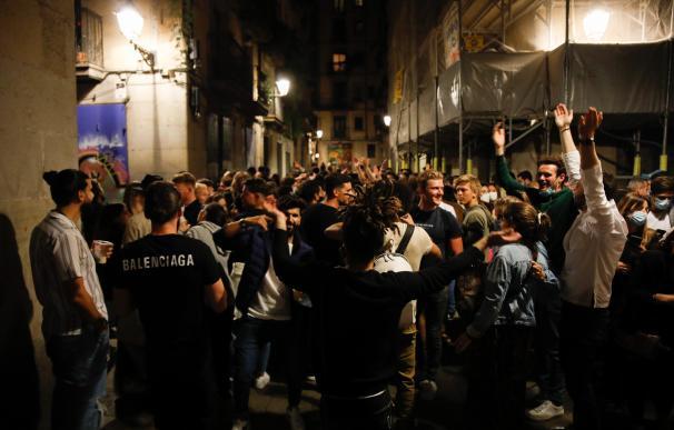 Cientos de personas reunidas en el paseo del Born, 15 de mayo de 2021, en Barcelona.