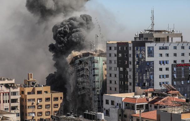 La sede de la agencia de noticias estadounidense AP, la cadena de noticias Al Jazeera y otros medios internacionales, que Israel derribó este sábado.