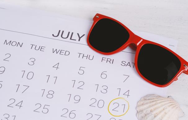 Calendario laboral de festivos en los meses de verano.