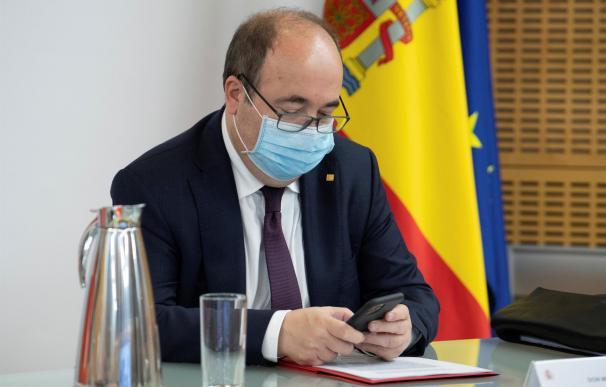El titular de Política Territorial, Miquel Iceta, durante una reunión conjunta de la Conferencia Sectorial de Educación y el Consejo Interterritorial de Sanidad este miércoles.