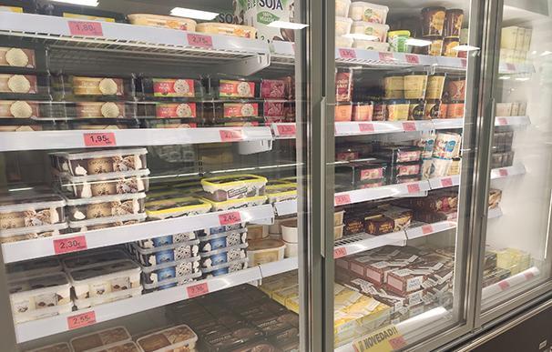 Nevera de sección de helados de Mercadona