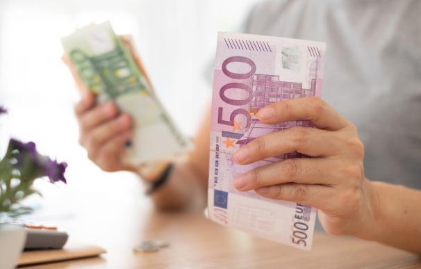 Bancos dan dinero por llevar nómina