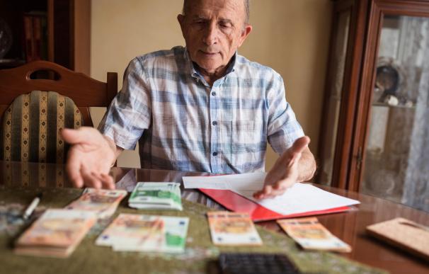 Pensionista, pensiones, dinero, euros