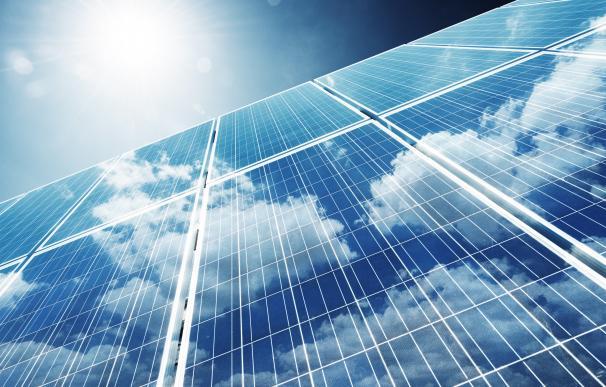 El uso de energías renovables contribuye a reducir las emisiones.