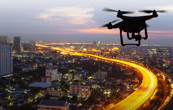 Drones controlando el tráfico de las carreteras.