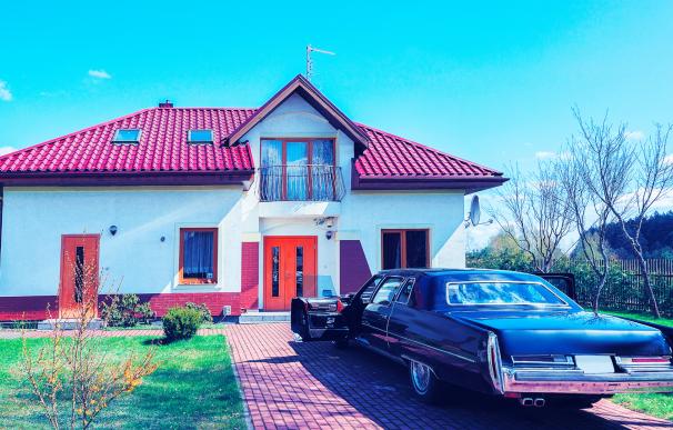 Las subastas de coches y casas baratos del BOE ofrecen activos en todo el país.
