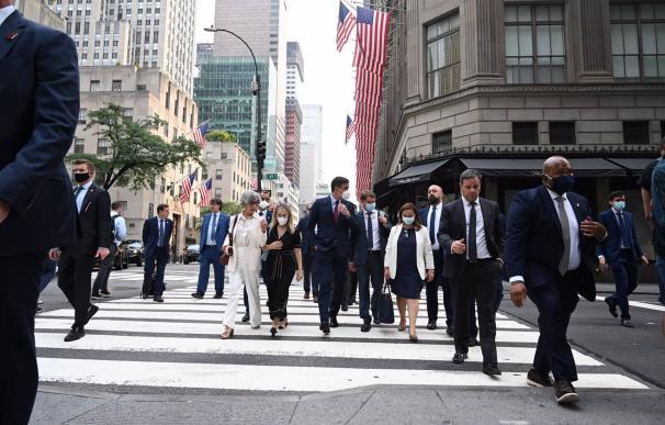 21-07-2021 El presidente del Gobierno, Pedro Sánchez, durante un paseo en su viaje a Nueva York. POLITICA  MONCLOA