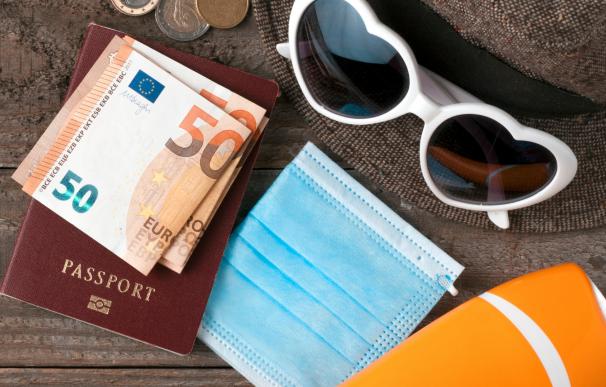 Dinero, euros, viajes, vacaciones
