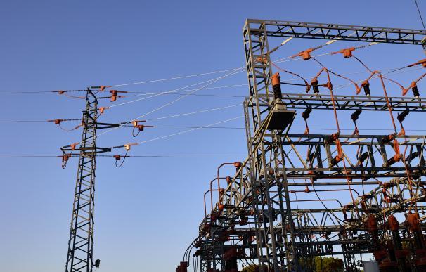 Ribera invoca a los fondos activistas y redobla la presión sobre las eléctricas