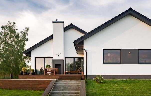 Una casa con parcela.