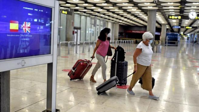 El Turismo De Espana Esta En Cifras Del Siglo Xx El Pib Cae En 106 000 Millones