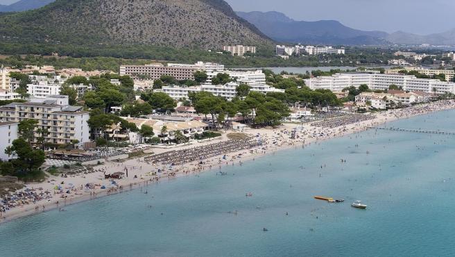 Platja d'en Bossa (Ibiza) es el destino de playa más caro de España