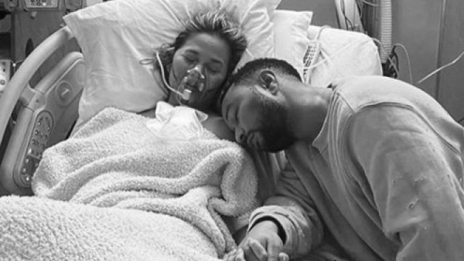 John Legend y Chrissy Teigen pierden a su bebé por problemas en el embarazo