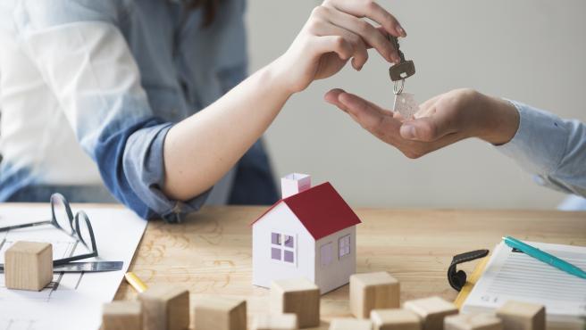 En enero de este año se firmaron un total de 27.518 hipotecas, lo que supone un 5,3% más que durante el mes anterior.