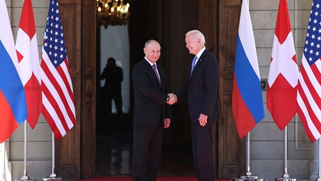 Navalni, comercio, ciberseguridad... los 'choques' del encuentro Biden-Putin